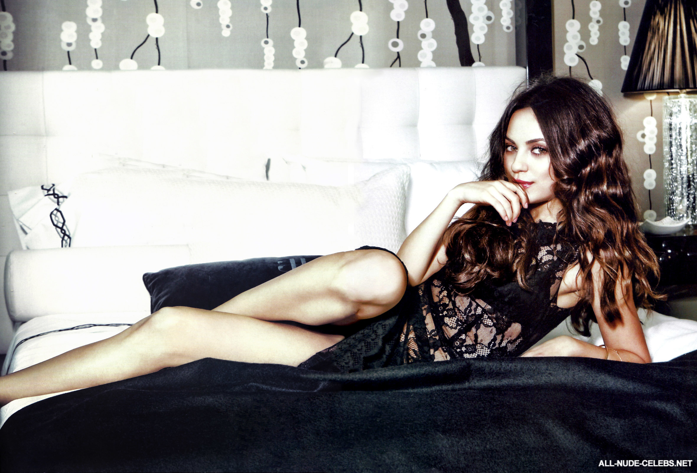 Mila kunis hot and sexy
