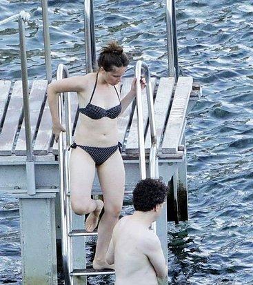 Jones topless felicity Felicity Jones